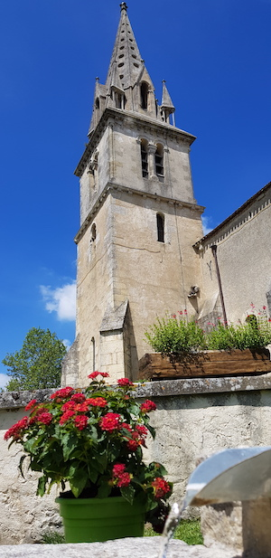 Fontaine-Clocher1